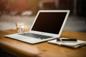laptop, desk, workspace-336373.jpg